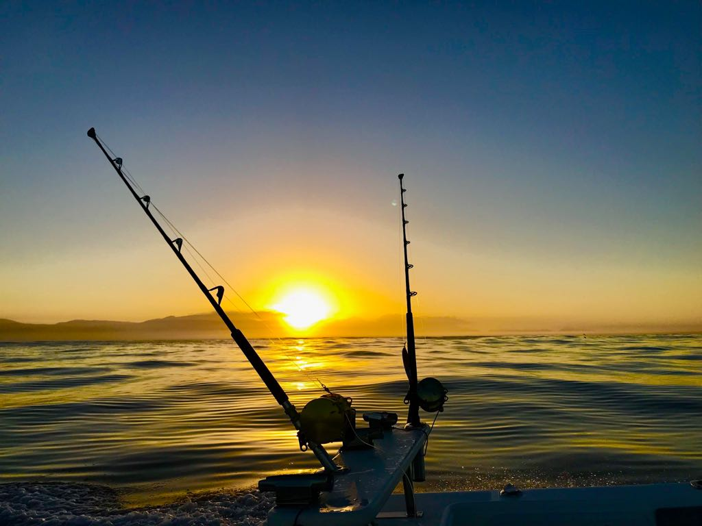 sunrise whilst deep sea fishing charters offshore fishing cape town hout bay