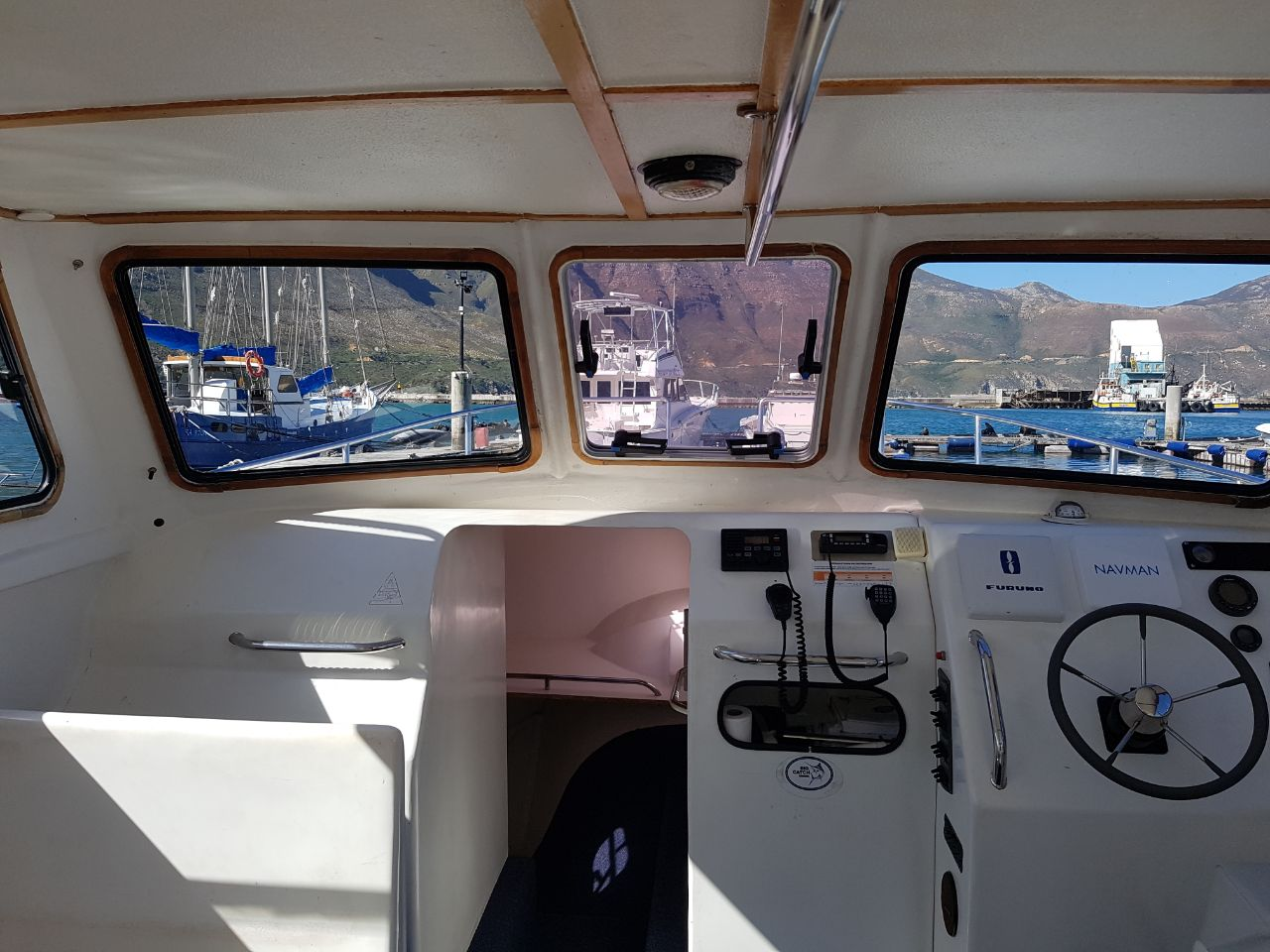 ocean warrior 35 foot cat fishing charter hout bay cape town 6