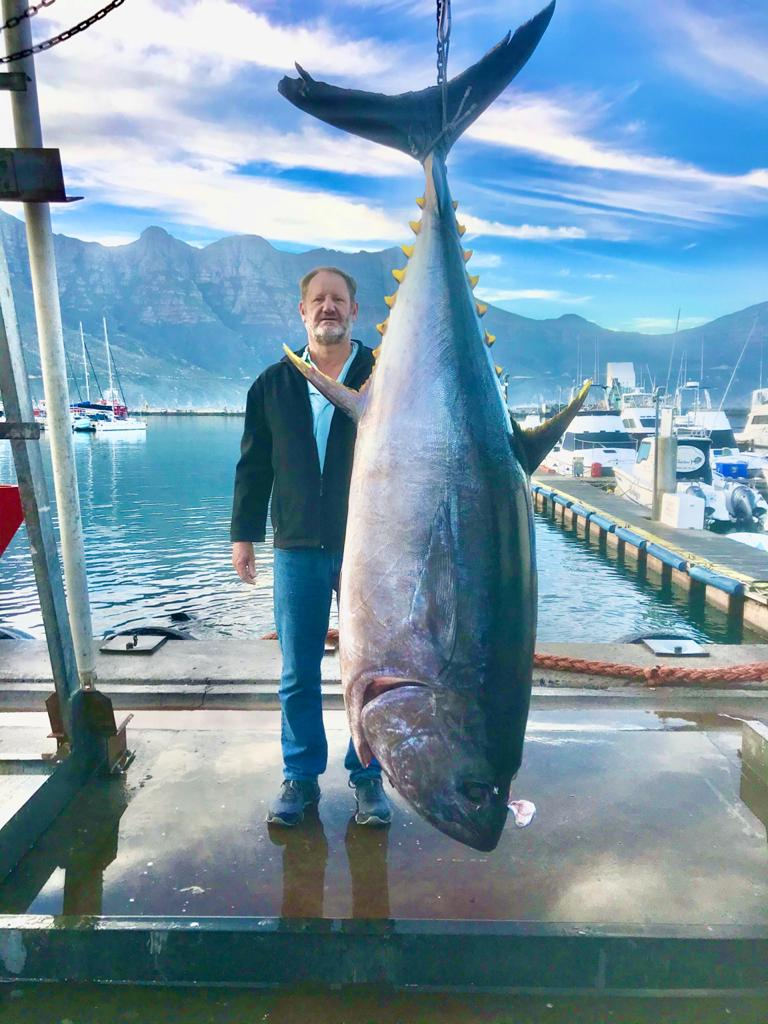 136 kg big eye tuna
